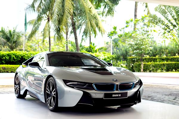 BMW i8, The Most Progressive Sports Car yang dipamerkan di IEF 2016 Jakarta. (ist)