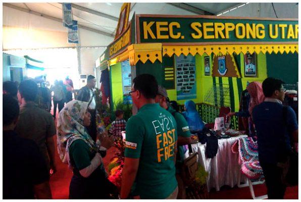 Salah satu stand kecamatan dalam pameran acara Sewindu Tangsel. (bd)
