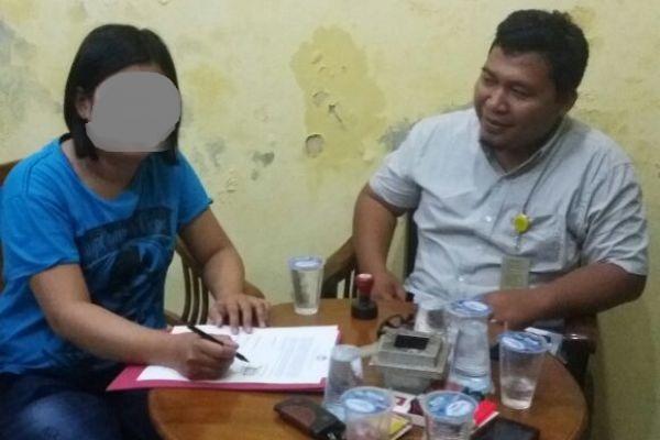 Ibu korban saat melaporkan kasus yang menimpa anaknya ke LPA Kota Tangerang (uad)