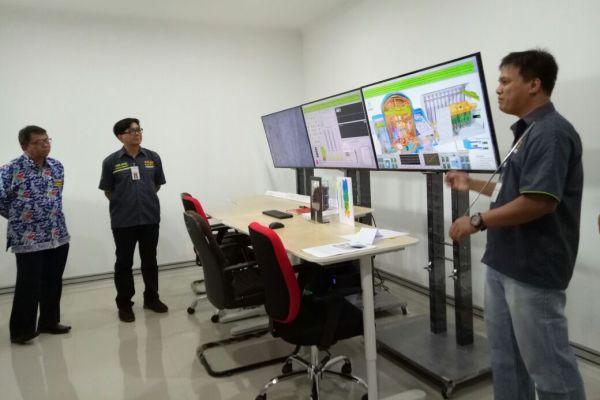 Perwakilan BATAN menjelaskan sistem kerja Simulator Reaktor Nuklir. (kie)