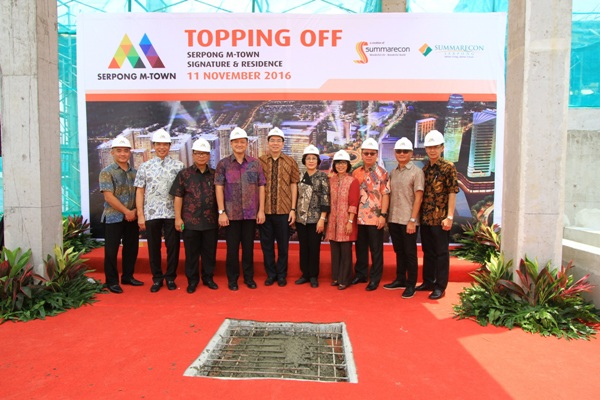 Topping off apartemen Serpong M-Town. (ist)