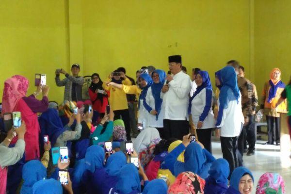 Guru PAUD antusias menyambut Wahidin Halim. (uad)
