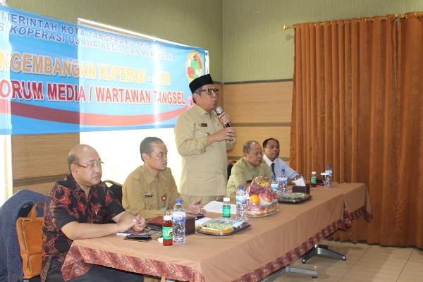 Wakil Walikota Tangsel saat sosialisasi koperasi di Serpong. (nad)