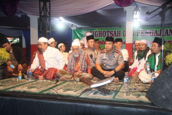 Kapolres Metro Tangerang menghadiri silaturahmi dengan masyarakat Teluk Naga. (pp)
