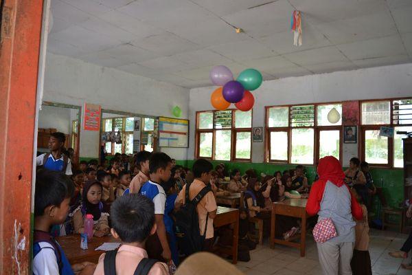 Murid SDN 2 Muncang mendapat kunjungan dari Filantropi Indonesia. (fit)
