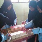 Belajar Matematika dengan Bangun Miniatur Madrasah