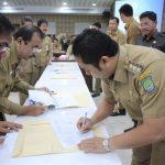 Arief Rotasi Pegawai saat Rapat Evaluasi