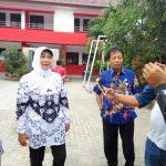 Siswa SD Gelar Aksi Peduli Lingkungan di Situ Cipondoh