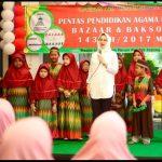 Sambut Puasa, Masjid Muhajirin & Walikota Airin Bagi Sembako