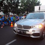 BMW i Pimpin Peserta Lomba Lari di Bandung
