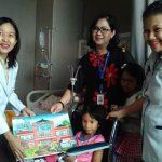 Bagi-bagi Puzzle Warnai Hari Anak Nasional di Siloam Hospitals