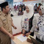 Ribuan Pencari Kerja Berdesak-desakan di Job Fair