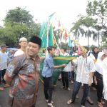 Peringati Maulid, Walikota bersama Warga Ngarak Perahu di Kali Pasir