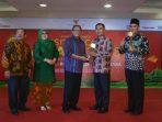 Wabup Tangerang terima Penghargaan SMESCO Award 2018